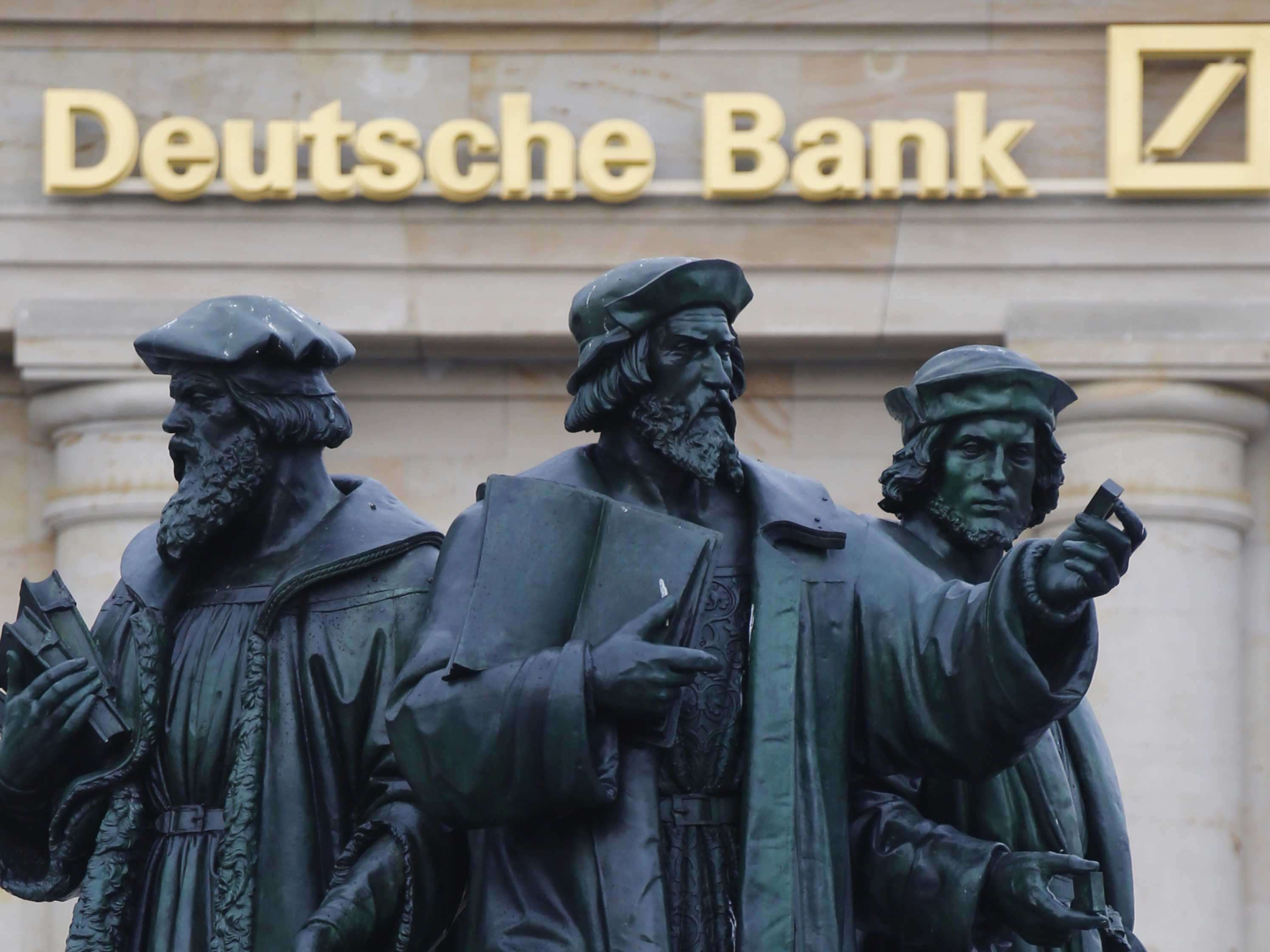us-regulators-just-slapped-deutsche-bank-with-a-25-billion-fine-and-mocked-its-traders