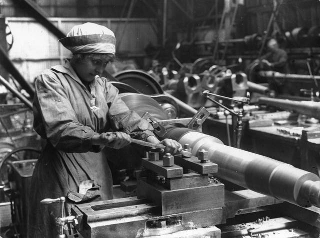 circa 1914: A woman at work in an armaments factory. (Photo by Hulton Archive/Getty Images)